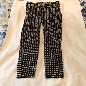 Ankle length pixie pants (stretchy)